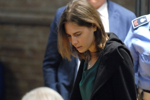 Amanda Knox appears in court