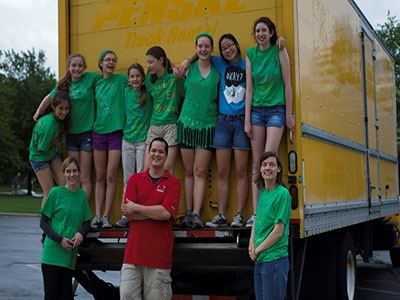 A Group Effort: Together to End Hunger Club Helps Feed the Underprivileged
