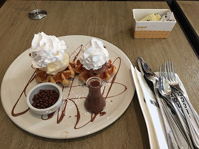 Restaurant Review: Max Brenner Chocolate Bar