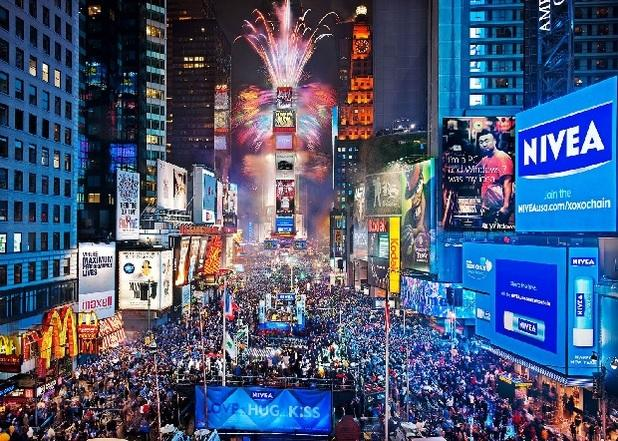 Restaurants in Times Square charge hundreds on New Year's Eve