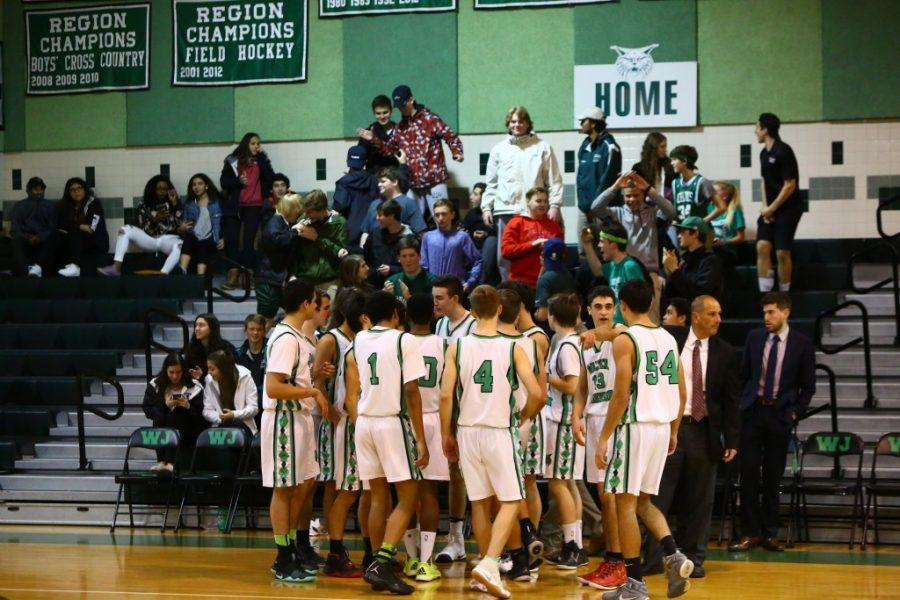 Crowd+support+fuels+WJ+basketball++team+heading+into+playoff+push
