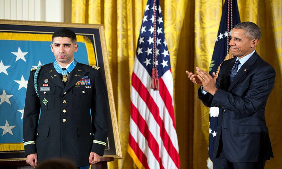 Groberg receives Award of Valor