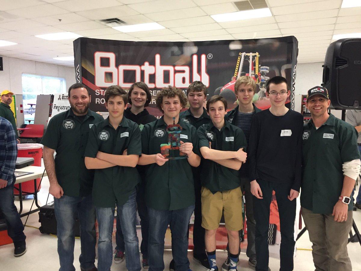WJ robotics places first at regionals