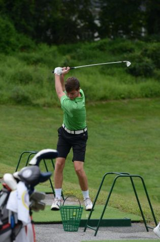 Coed golf qualifies two players for states