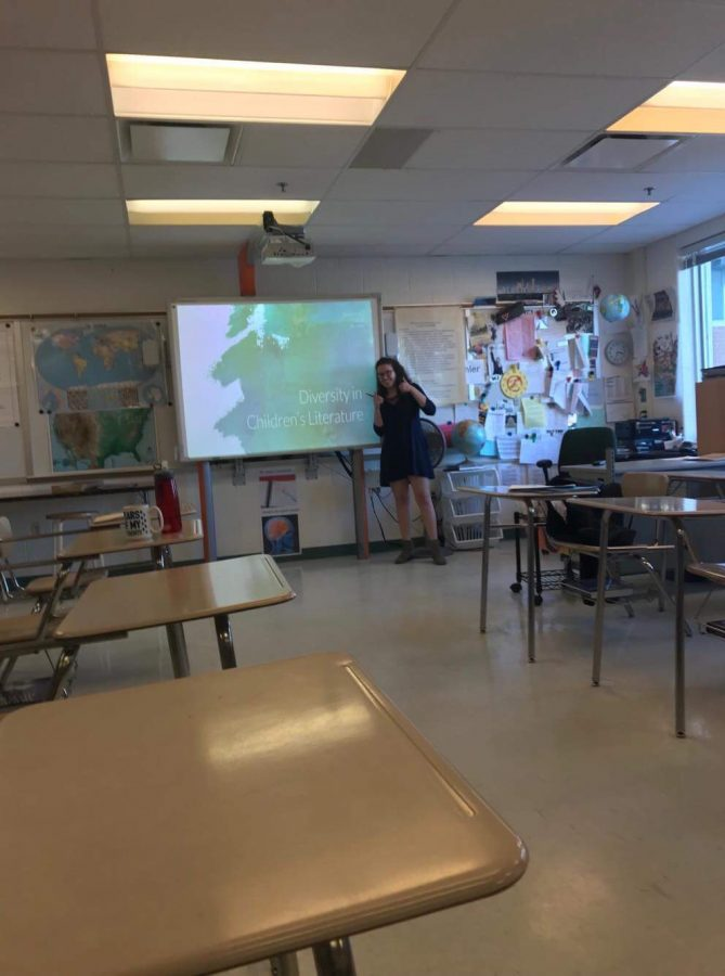 Senior+Sydney+Albert+delivers+presentation+of+%E2%80%9CDiversity+in+Children%E2%80%99s+Literature.+Each+APEX+student+gave+a+presentation+on+a+topic+of+their+choice.+