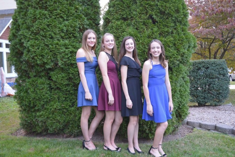 Last+year%2C+current+sophomore+Jane+Umhofer+went+to+WJ%E2%80%99s+Homecoming+dance+with+a+group+of+close+friends.+The+four+of+them+stayed+the+whole+time+and+were+never+bored.+