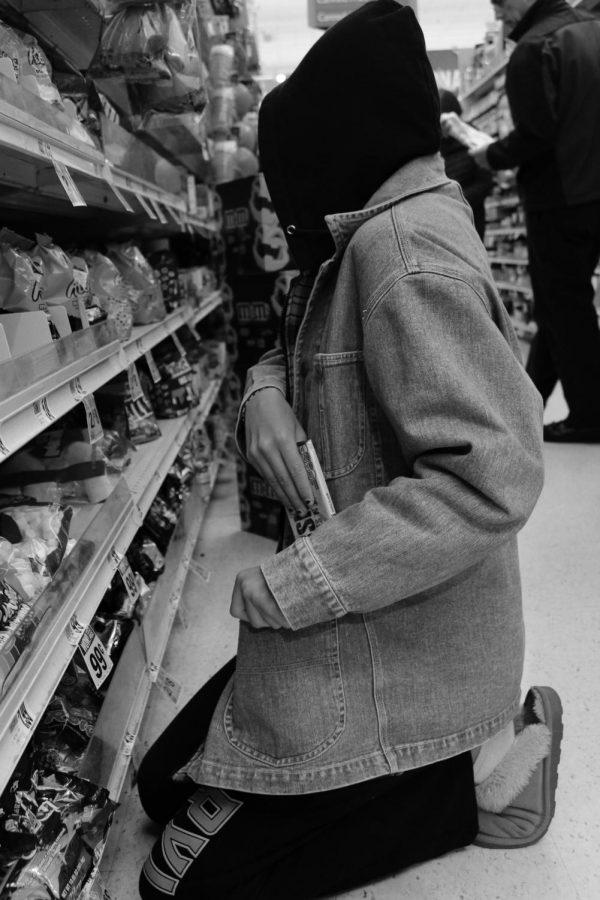 Ebony shoplifter