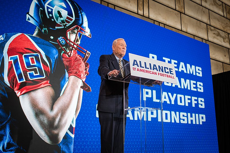 Former+NFL+executive+and+co-founder+of+the+AAF%2C+Bill+Polian+speaking+at+a+press+conference.
