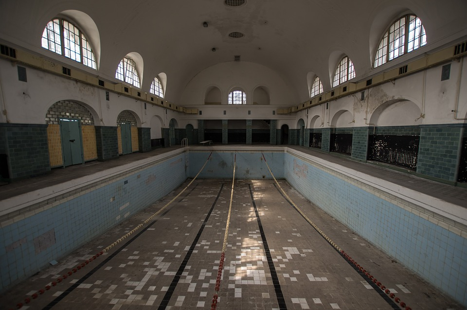 The WJ pool has been emptied for new cleaning. This will be the first time in a long while where the pool has been cleaned.
