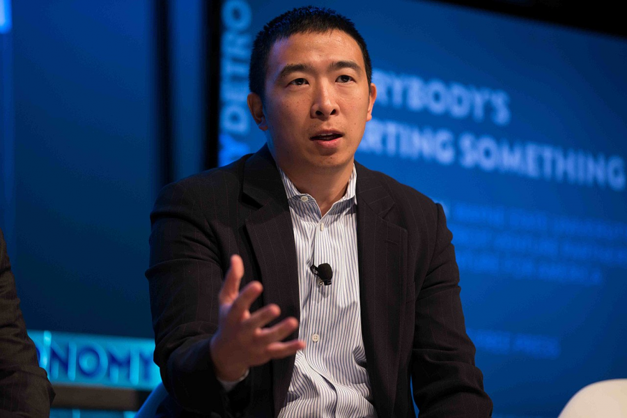 Candidate+Andrew+Yang+speaks+of+entrepreneurship+at+a+conference+in+Detroit+from+2015.+He+serves+as+an+excellent+example+of+the+diverse+array+of+individuals%2C+some+of+whom+have+held+few+offices%2C+that+are+seeking+the+Oval+Office+in+2020.