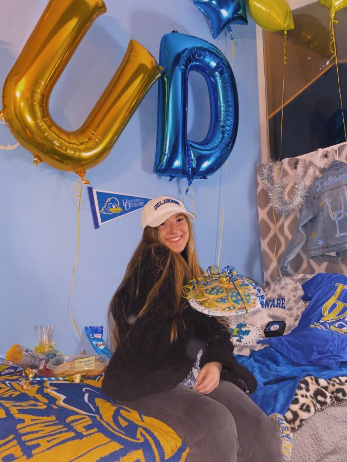 Senior+Olivia+Tetrault%27s+friends+threw+her+a+bed+party+after+she+committed+to+the+University+of+Delaware.+Her+friends+brought+school+apparel+and+Delaware+themed+treats+to+celebrate+her+big+decision.