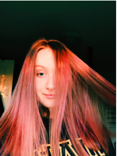 Darby removes her original blue color to go pink. She's had pink hair before and loved it.