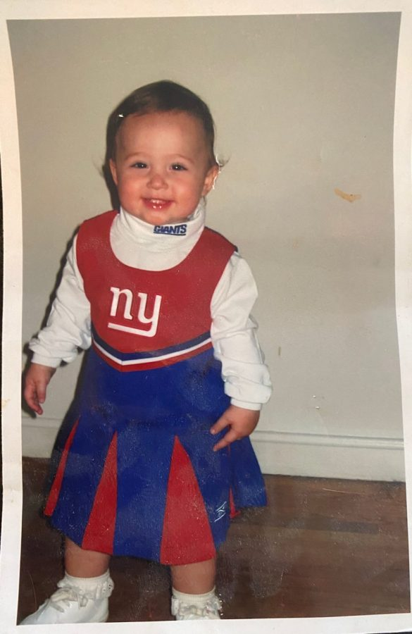 Senior+Emma+Richardell+supports+her+favorite+football+even+as+a+little+toddler.+++She+supports+the+team+because+her+father+is+from+New+York.+%22+My+favorite+football+team+is+the+New+York+Giants+because+my+dad+is+from+New+York%2C%22+Richardell+said.