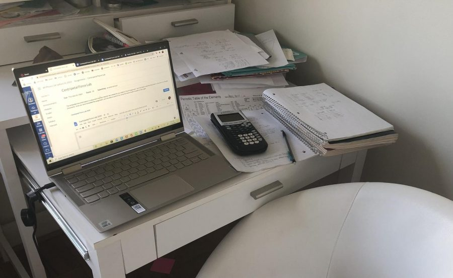 Distance+learning+causes+students+to+experience+some+amounts+of+stress.+With+a+surplus+of+assignments%2C+some+people%27s+desks+are+bound+to+be+a+little+messy.