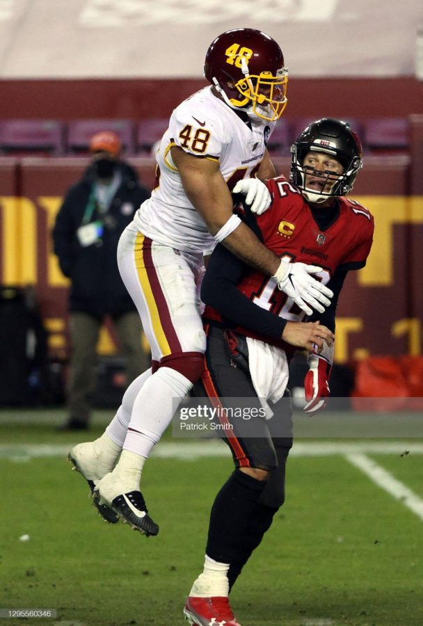 Washington linebacker Mychal Kendricks haunts 43 year old man Tom Brady in the NFC wildcard game at FedEx Field. It was Washington's first playoff game since 2015.