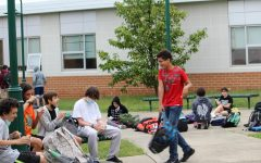 During in-person school students are able to eat with their friends during lunch. Students can choose to eat almost anywhere on campus as well as off campus at G-square or at the mall if they can drive.